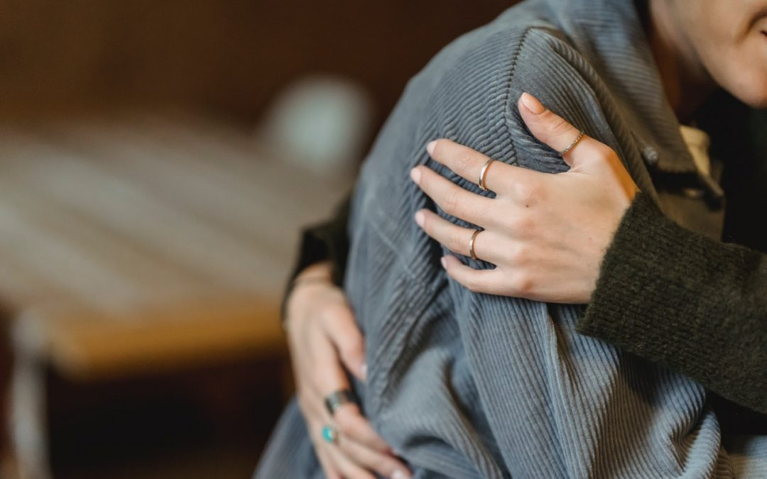 Ways to Show You Care and Lend Support When Someone You Love Is Grieving